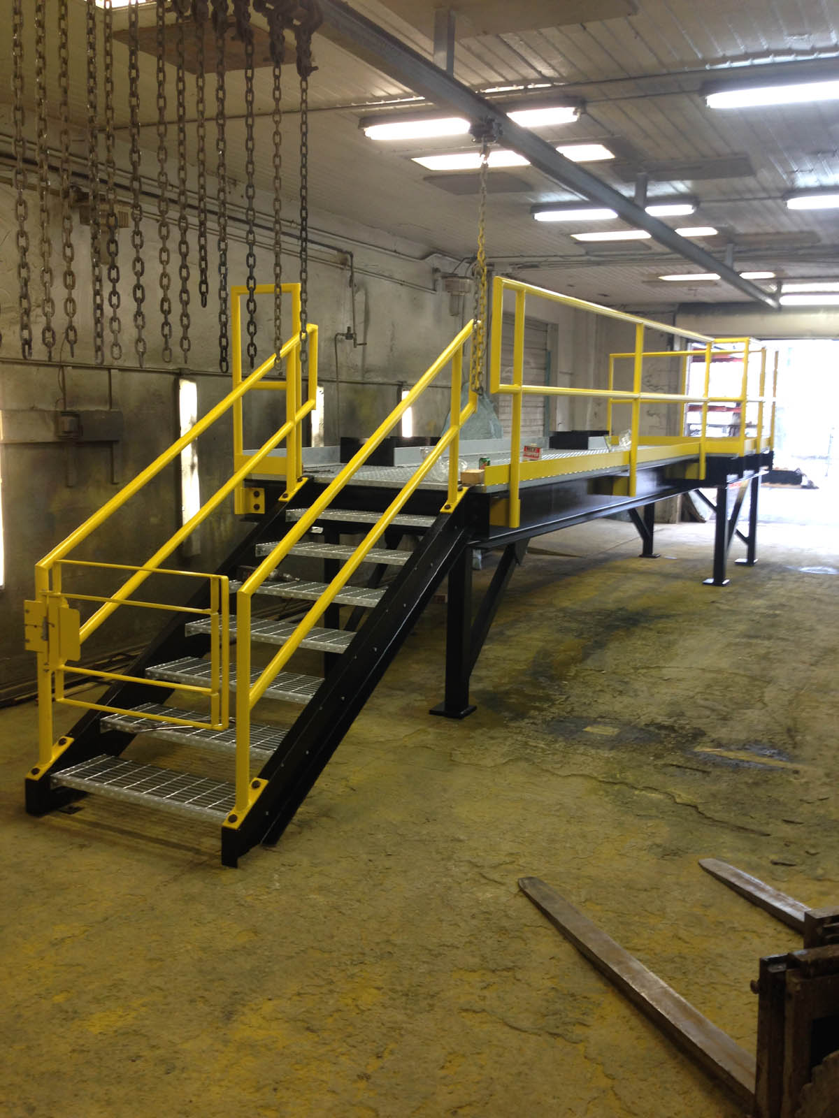 Assembled Industrial Platform with Gate